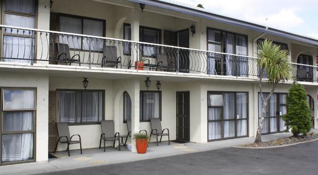 Motel Villa Del Rio - 旺阿雷 - 建築