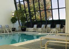 文藝復興斯泰普爾頓酒店 - 丹佛 - 游泳池