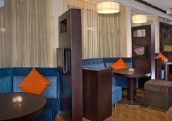 達拉斯普萊諾大道普雷斯頓路萬怡酒店 - 普萊諾 - 休閒室