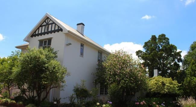 Whispering Oaks Guest House - 喬治 - 建築