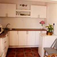Whispering Oaks Guest House In-Room Kitchen