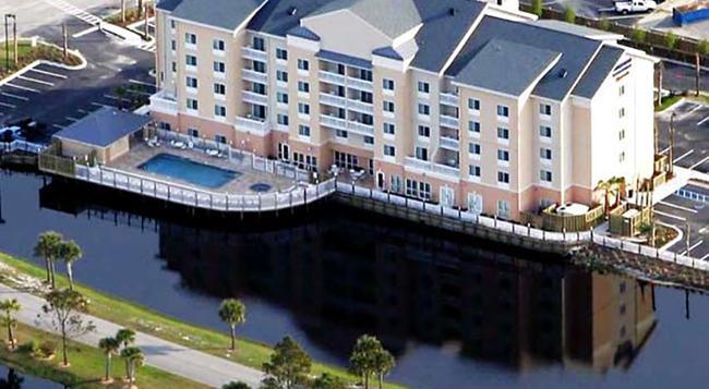 Fairfield Inn and Suites by Marriott Orange Beach - 橘子海灘 - 建築