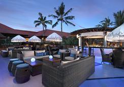 巴厘島王朝假日酒店 - 庫塔 - 酒吧