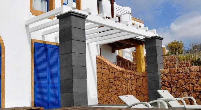Hotel Suite Villa María - 阿德耶 - 游泳池