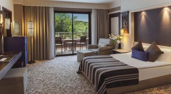 Ela Quality Resort Hotel Antalya - 貝萊克 - 臥室
