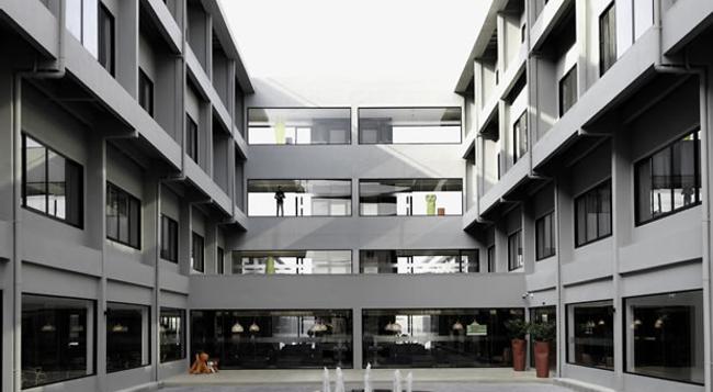 S Ratchada Leisure Hotel - 曼谷 - 建築