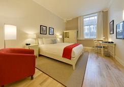 樂聖皮埃爾酒店 - 魁北克市 - 臥室