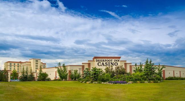 Deerfoot Inn & Casino - 卡爾加里 - 建築