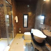 Design Hotel Mr President Bathroom