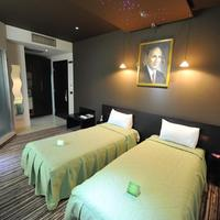 Design Hotel Mr President Guestroom