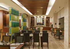 班加羅爾紐索爾湖檸檬樹尚品酒店 - 班加羅爾 - 餐廳