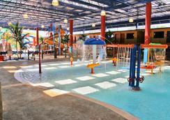 可可中心水上樂園度假酒店 - 奧蘭多 - 游泳池