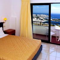 Pela Mare Hotel Guestroom