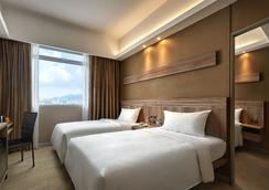 檳城龍城快捷酒店 - 喬治市 - 臥室