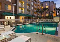 奧蘭多市中心萬豪萬怡酒店 - 奧蘭多 - 游泳池