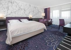 SI套房酒店 - 斯圖加特 - 臥室