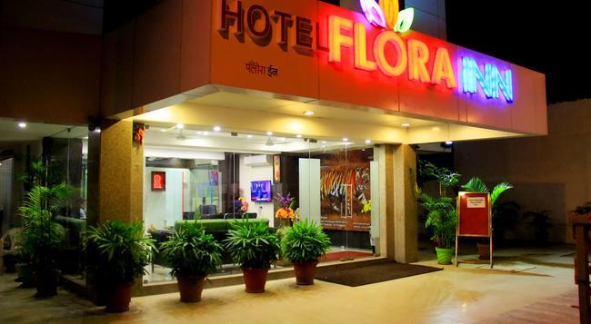 Hotel Flora Inn - 那格浦爾 - 建築