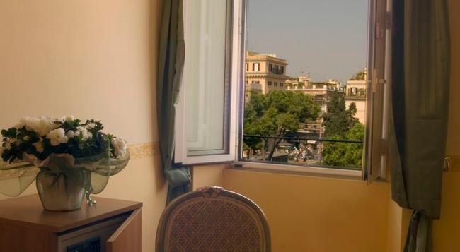Residenza Gens Julia - 羅馬 - 臥室