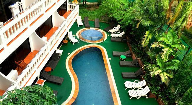 Inn Patong Hotel Phuket - 巴東 - 游泳池