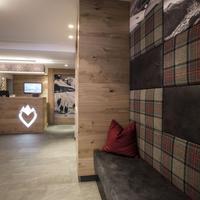 Hotel Valentin Interior Entrance