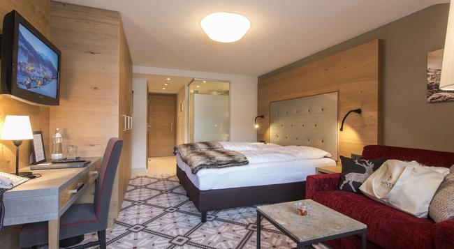 Hotel Valentin - 索爾登 - 臥室