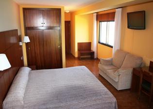 德風阿蘇爾酒店