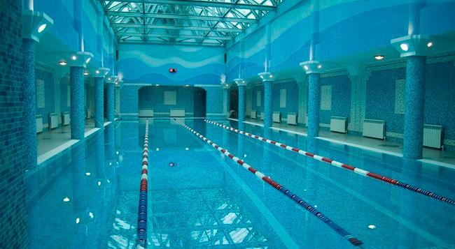 Hotel Gulf Stream - 喀山 - 游泳池