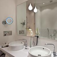 Wyndham Garden Berlin Mitte Bathroom