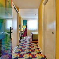 Qua Hotel Guestroom