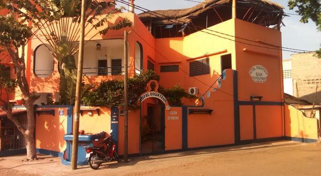 Hotel Equateur - 洛美 - 建築