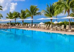 Southernmost Beach Resort - 基韋斯特 - 游泳池