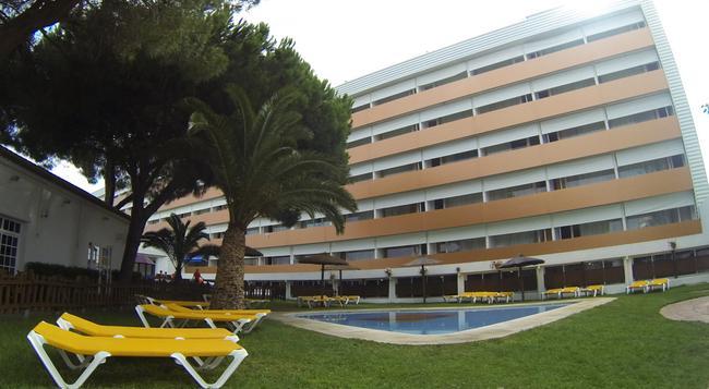 Carabela Beach & Golf Hotel - Matalascañas - 建築