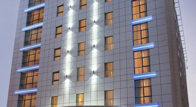 Cosmopolitan Hotel - 杜拜 - 建築