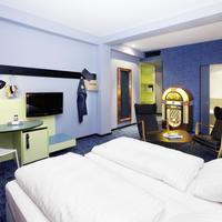 25hours Hotel by Levi's Guestroom