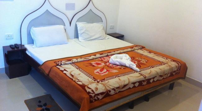 Hotel Safari - 阿格拉 - 臥室