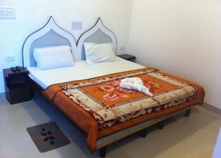 薩法裡酒店