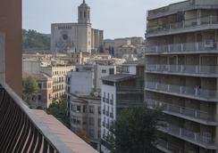 由特尼亞酒店 - 赫羅納 - 室外景