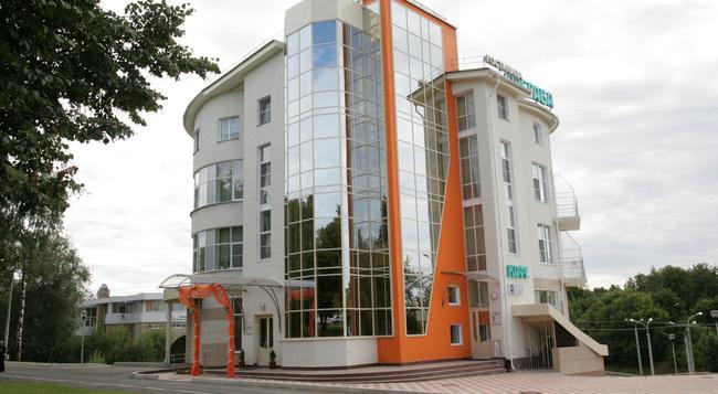 Dubrava Hotel - Cheboksary - 建築