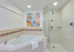 那不勒斯格蘭德海灘度假酒店 - 拿坡里 - 浴室