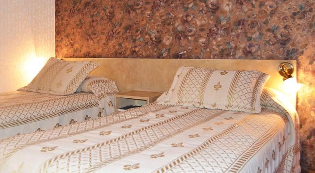 Hotel Fenicia - 聖薩爾瓦多德朱 - 臥室