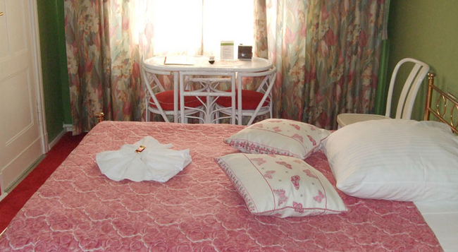 Hotel-Pension Ingeborg - 柏林 - 臥室