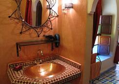 里亞德達爾塔姆裡旅館 - 馬拉喀什 - 浴室