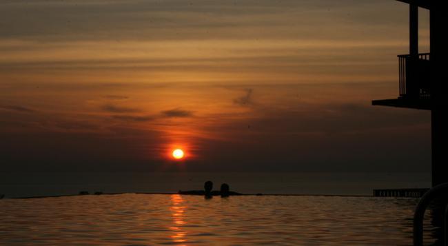 Karon Phunaka Resort & Spa - 卡倫海灘 - 游泳池