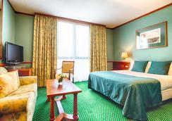 米蘭市中心萊昂納多酒店 - 米蘭 - 臥室