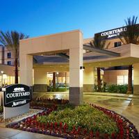 Courtyard by Marriott Long Beach Airport Exterior