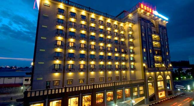 Harbourbay Amir Hotel - 巴淡島 - 建築