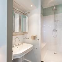 1er Etage Bathroom