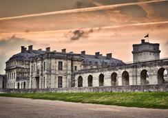 城堡酒店 - Vincennes - 室外景