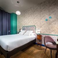 Hotel Crayon Rouge Guestroom