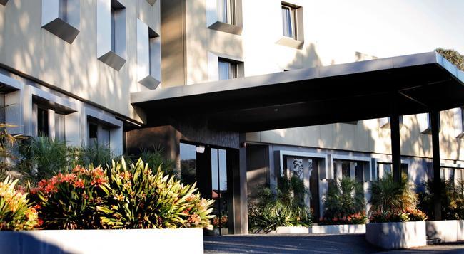 Golden Pebble Hotel - 墨爾本 - 建築